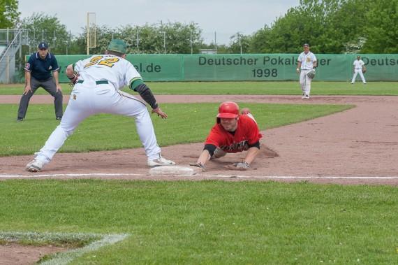 Spiel eins ging knapp an die Untouchables (Foto: Jörg Klause)