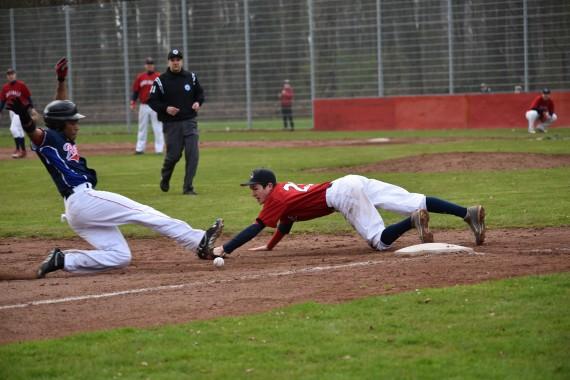 Zwei knappe Spiele lieferten sich die Hannover Regents und Cologne Cardinals am Sonntag (Foto: Gerhard Thoms)