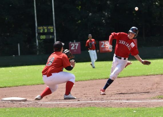Cardinals siegen knapp gegen Wanderers (Foto: Thoms)