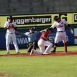 Buchbinder Legionäre drehen Spiel gegen Mannheim