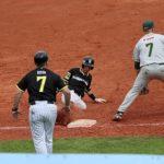Eric Harms rettet Regensburg Sieg gegen Athletics